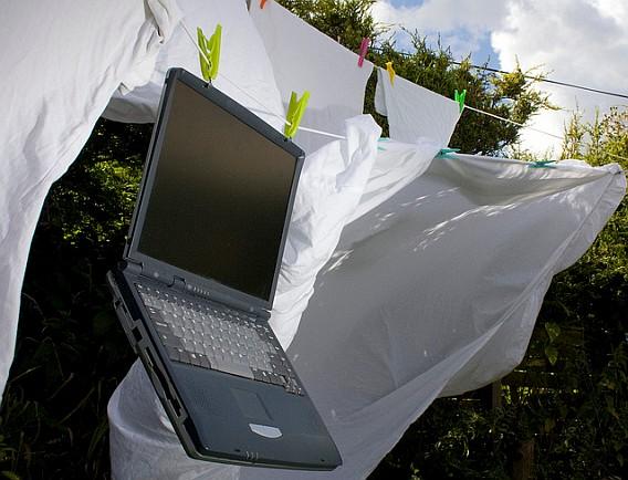 Jak wycziścić laptopa krok po kroku samemu? | Domowe-Sposoby.pl